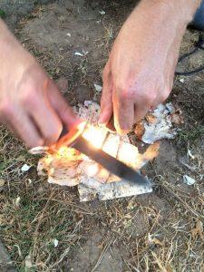 Feuermachen mit Magnesium Stab