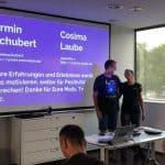 Armin und Cosima beim Vortrag zu Dankbarkeit!